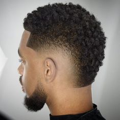 The burst fade is a popular fade hairstyle in recent years.Burst fade can be a part of any men's hairstyle.The fade is commonly combined with a broad Mohawk hairstyle and more. Best Fade Haircuts, Fade Haircut Styles, Black Men Haircuts, Black Men Hairstyles, Hair And Beard Styles, Medium Hairstyles, Black Man Haircut Fade, Black Hair Cuts, Low Fade Haircut