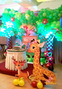 Fun balloons and decorations at a jungle safari birthday party! See more party ideas at CatchMyParty.com!