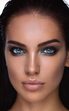 Top 10 Countries With The World's Most Beautiful Women (Pictures included) Stunning Eyes, Gorgeous Eyes, Pretty Eyes, Cool Eyes, Girl Face, Woman Face, Portrait Photos, Portraits, Woman With Blue Eyes