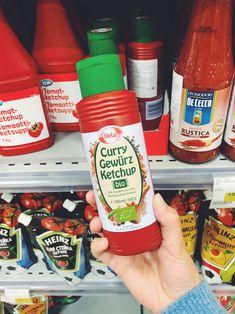 Кетчуп с органик-маркировкой «Евролист». И с карри. Ketchup, Curry, Drinks, Bottle, Food, Drinking, Curries, Beverages, Flask