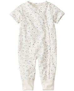 The comfiest of rompers snuggles little ones in ultra-huggable organic pima softness and stretches gently with every wiggle. Snap front…
