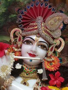 Krishna Hindu, Krishna Leela, Krishna Flute, Krishna Statue, Jai Shree Krishna, Cute Krishna, Lord Krishna Images, Radha Krishna Pictures, Radha Krishna Photo