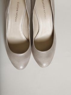 Costume National pumps in light grey patina. Gorgeous subtle gradation on the sides.