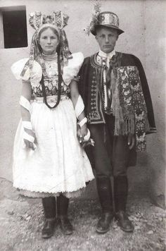 Poniky (Podpoľanie) Folk Costume, Costume Dress, Folk Clothing, Country Women, Tribal Dress, Vintage Photographs, Vintage Beauty, Folklore, Traditional Outfits