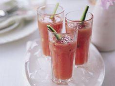 Gazpacho ist ein Rezept mit frischen Zutaten aus der Kategorie Kaltschale. Probieren Sie dieses und weitere Rezepte von EAT SMARTER!