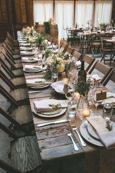 Urbanite Chic Wedding in Brooklyn Lange Hochzeitstafel - Kelly Williams, Fotograf Long Table Wedding, Chic Wedding, Wedding Styles, Trendy Wedding, Wedding Ideas, Wedding Rustic, Rustic Weddings, Winter Weddings, Buffet Wedding