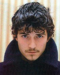 Does the short hair look more Ottoman Empire?  #OrlandoBloom #SleepingBeauty #prince