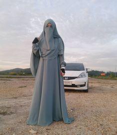A collection of niqab pictures Hijab Niqab, Hijab Chic, Mode Hijab, Hijab Outfit, Hijab Dress, Arab Girls Hijab, Girl Hijab, Muslim Girls, Muslim Women