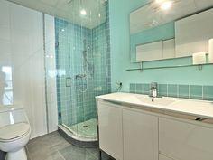 Perl Marketing · Sites web et marketing Internet pour courtiers immobiliers Mont Royal Montreal, Condo, Corner Bathtub, Bathroom, Sound Proofing, Real Estate Broker, Kitchen Modern, Shower, Washroom