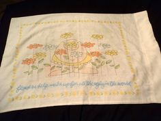 IGGY Flower Power Faded Hippie Pillowcase Vintage Linen Character Sheet Collect