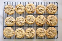 Well, until now. Here's how a pro baker makes any cookie, cake, brownie or pie even better. Tasty Chocolate Chip Cookies, Crispy Cookies, Mint Chocolate, Chocolate Muffins, Chocolate Desserts, Chocolate Chips, Baking Secrets, Baking Tips, Baking Hacks