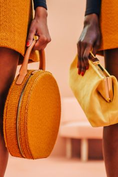 Mansur Gavriel S/S 2016 - via Tommy Ton #handbag #mod #midcentury #fashion