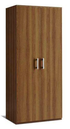Este es un armario marrón muy pequeño para  poner los trajes. Està en el vestíbulo.