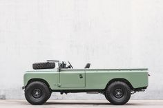 Painstakingly restoring Land Rovers with an obsession for detail and a commitment to the essentials. Handmade in Lisbon Landrover Defender, Landrover Serie, Defender 90, Jeep Land Rover, Land Rover Series 3, Range Rover Supercharged, Beach Cars, Range Rover Classic, Jeep Pickup
