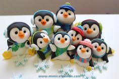 Penguin Family Cupcake Toppers 4 Penguins 2 mini by mimicafeunion Christmas Topper, Polymer Clay Christmas, Christmas Cupcakes, Noel Christmas, Christmas Crafts, Valentine Cupcakes, Pink Cupcakes, Fondant Toppers, Fondant Cakes