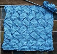 Dish Cloth 20 Cast on 60 stitches. Knit 4 rows and then pattern until the cloth has the desired length. Knit 4 rows and bind off. 9 k, 1 p 1 p, 1 k, Knitted Washcloth Patterns, Knitted Washcloths, Dishcloth Knitting Patterns, Crochet Dishcloths, Arm Knitting, Baby Hats Knitting, Knitting Stitches, Knit Patterns, Stitch Patterns