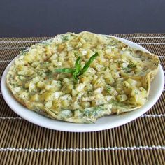 Potato Omelette is always a hit at breakfast tables. Potatoes are fried at and then combined with beaten eggs in a skillet. Tomato Breakfast, Breakfast Time, Best Breakfast, Healthy Breakfast Recipes, Gluten Free Cooking, Cooking Recipes, Omelette Recipe, Turkish Recipes, International Recipes