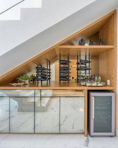 """Arquitetura e Decoração on Instagram: """"Linda adega com barzinho aproveitando da melhor maneira possível o espaço embaixo da escada 😍 e aí, gostam da ideia? ⠀ ⠀  Projeto:…"""" Under Stairs Nook, Kitchen Under Stairs, Spa Interior, Modern Interior Design, Home Stairs Design, Railing Design, Design Your Dream House, House Design, Sweet Home Design"""