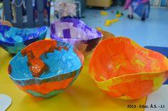 Prenda do Dia da Mãe - 2013, Sala dos 3 anos. Papel seda colado em balão.