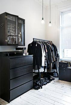 Minimalist  Open Closet