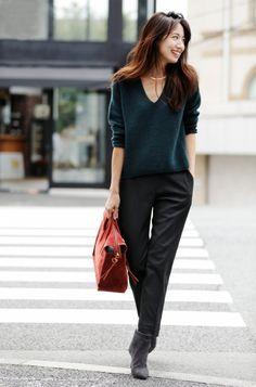 Pin on ファッション Pin on ファッション in 2020 Japan Fashion, Work Fashion, Office Fashion, Fashion Pants, Daily Fashion, Fashion Looks, Fashion Outfits, Womens Fashion, Classy Work Outfits