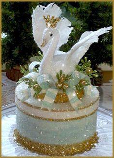 """""""Enchanted Swan"""" Cake Topper Image"""