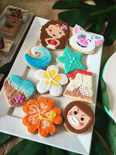 Adorable cookies that are just perfect for a Moana themed birthday party! Moana Theme Birthday, Moana Themed Party, Hawaiian Birthday, Moana Party, 6th Birthday Parties, 2nd Birthday, Birthday Ideas, Moana Birthday Party Ideas, Moana E Maui
