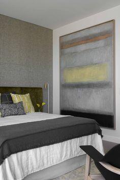 Cozy muted tone bedroom//