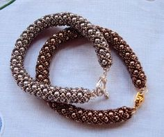 Seed bead jewelry Stefania: SCHEMA for Russian Spiral Discovred by : Linda Linebaugh Netted Bracelet, Beaded Bracelet Patterns, Seed Bead Bracelets, Seed Bead Jewelry, Bead Jewellery, Beaded Necklace, Seed Beads, Beading Patterns, Jewlery