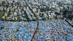 Drone photos of Mumbai reveal the places where extreme poverty meets extreme wealth Flight Lessons, Golf, Aerial Drone, Sky Photos, 49er, In Mumbai, Slums, Sustainable Development, Urban Planning