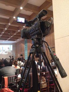 처음 만져본 방송용 카메라.