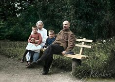 Vladimir Lenin and his wife Nadezhda, in Gorki, Russia, =========- =======. by Pictures of History Vladimir Lenin, Legendary Singers, Propaganda Art, Russian Revolution, Foto Real, Imperial Russia, Red Army, Soviet Union, Rare Photos