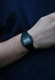 1980's Retro Casio Watch Black. Men style.