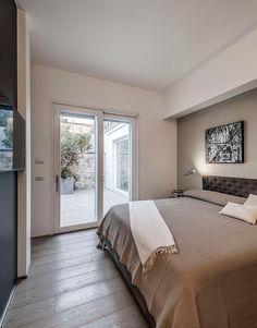 works Brando Interior Design in Cremona Bedroom With Bath, Diy Design, Interior Design, Luxurious Bedrooms, Contemporary, Mansions, Luxury, Furniture, Home Decor