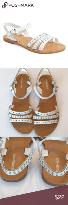 Tucker + Tate Girls White Leather Stud Sandals 4 M Nordstrom brand Tucker+ Tate white girls sandals, size 4M White leather uppers with silver studs Scored rubber soles Side buckle closure Never worn, without tag or box  Perfect for summer! Tucker + Tate Shoes Sandals & Flip Flops