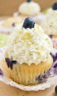 These soft and moist BLUEBERRY LIME CUPCAKES just scream Summer! They are so zesty and packed with fresh blueberries! From cakewhiz.com