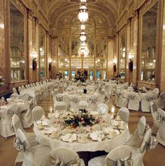 dream reception at Rialto Square Theater in Joliet=) Theater Chicago, Chicago Map, Illinois Wedding Venues, Chicago Wedding, Plainfield Illinois, Rialto Theater, Joliet Illinois, Theatre Wedding, Wedding Reception