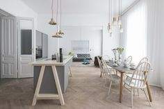 This contemporary Viennese abode stands as a testament to how sustainable interior design can actually work for modern family living. Living Room Scandinavian, Scandinavian Style Home, Apartment Interior Design, Kitchen Interior, Nordic Interior, Classic Interior, Vienna Apartment, Appartement Design, Apartment Kitchen