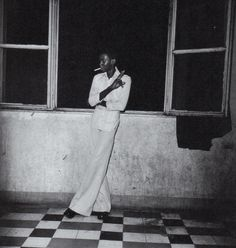 Malian Photographer wonder:   Seydou Keïta.