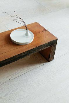 gorgeous minimalistic coffee table