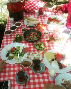Serpme Kahvaltı Table Settings, Place Settings, Tablescapes