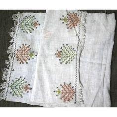 Eski Dokuma Bez Sari Telli Kaneviçe Işli Yağlik örtü 94x40 Cm GittiGidiyor'da 298164205 Sari, Handicraft, Traditional, Boho, Women, Hardanger, Saree, Craft, Women's