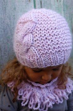 809d8191e22 DSC 0019 - Photo de Accessoires enfant (hiver) - Princesse des Neiges.  Modèle De Bonnet En TricotSnood ...