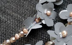Heijastava koru on näyttävä asuste - katso ohje ja tee itse! Kotiliesi.fi Diy And Crafts, Birthday Gifts, Pearl Necklace, Helmet, Brooch, Pearls, Jewelry, Birthday Presents, String Of Pearls