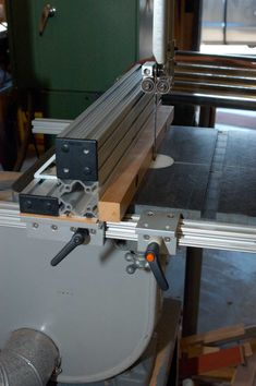 Make a Bandsaw Fence From Aluminum Extrusions: 4 Steps (with Pictures) Carriage Bolt, Iron Table, Made Of Wood, Table Plans, Aluminium, Plank, Fence, Woodworking, How To Plan