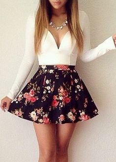 ↠{@AlinaTomasevic}↞ :Pinterest <3 | ☽☼☾ love life ☽☼☾ | Gorgeous V Neck Floral Print Mini Dress