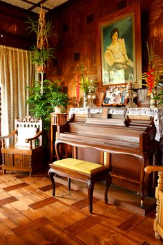 Filipino Living in a Modern Bahay Kubo Real Living Philippines - My ancestor's house! Filipino Interior Design, Filipino Architecture, Filipino House, Philippine Houses, Bahay Kubo, Bamboo House, Antique House, Colonial, Timber Flooring