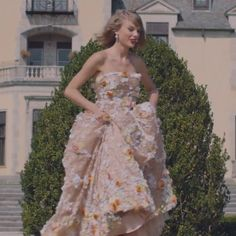 Taylor Swift's Dolce & Gabbana floral applique gown - Blank Space video