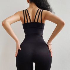 This Seamless Yoga Set BAIDEHI consists of a pair of seamless high waist leggings and a padded bra. Gym Leggings, Tops For Leggings, Purple Pants, Seamless Leggings, Colorful Leggings, Bodycon Dress, Exercise Clothes, Pilates, Style
