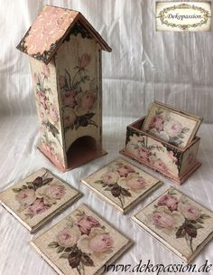 Tee Box House Decoupage Vintage Shanny, Serviettentechnik Shabby Chic Decoupage Vintage, Decoupage Wood, Napkin Decoupage, Shabby Vintage, Vintage Table, Clay Crafts, Diy And Crafts, Creative Box, Shabby Chic Crafts